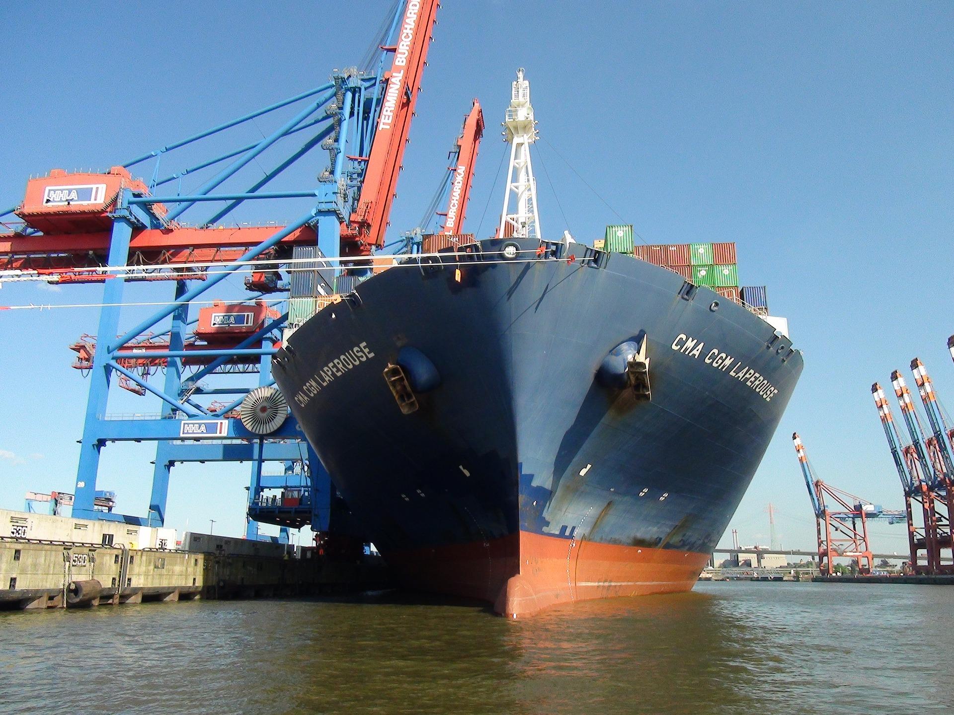 ship-2384696_1920
